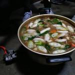 芋煮は昭和村風の具材をいれて♪